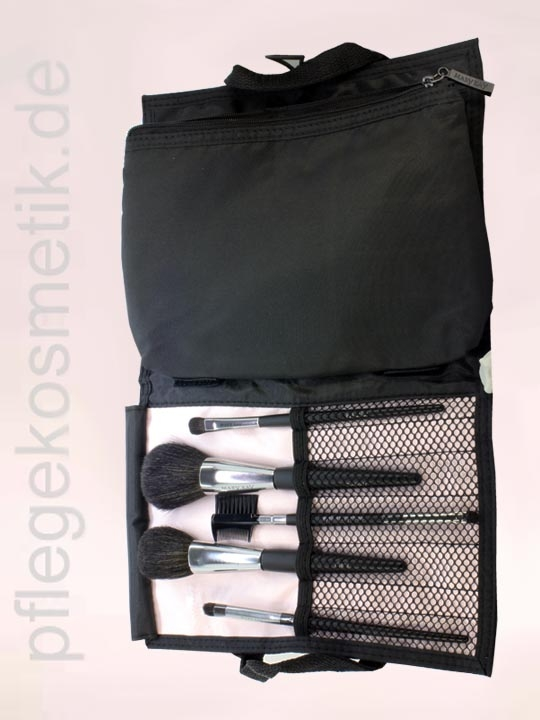Mary Kay Pinselset mit Tasche, offen 1